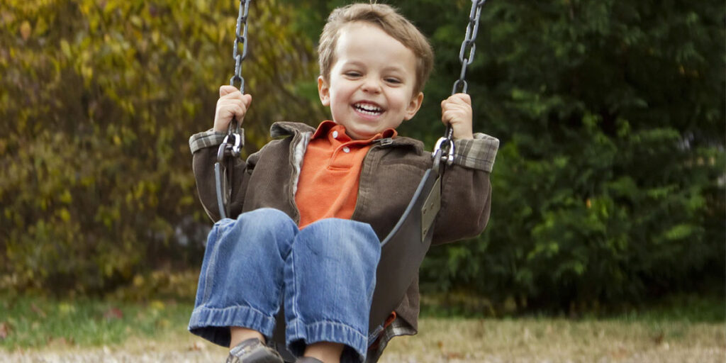 Vital factors to consider before buying a swing set